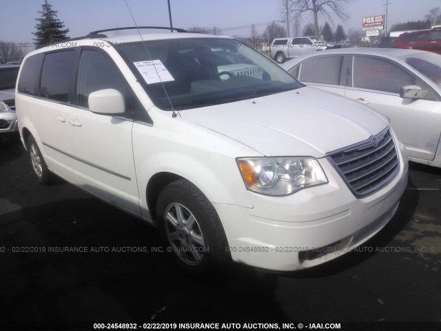 2A4RR5D16AR338792-2010-chrysler-town-and-country