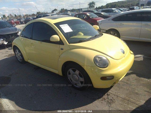 3VWDD21C9YM424342-2000-volkswagen-new-beetle
