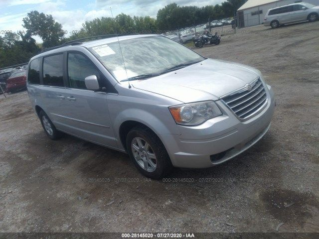 2A4RR5D19AR421049-2010-chrysler-town-and-country