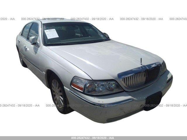 1LNHM81W54Y680781-2004-lincoln-town-car