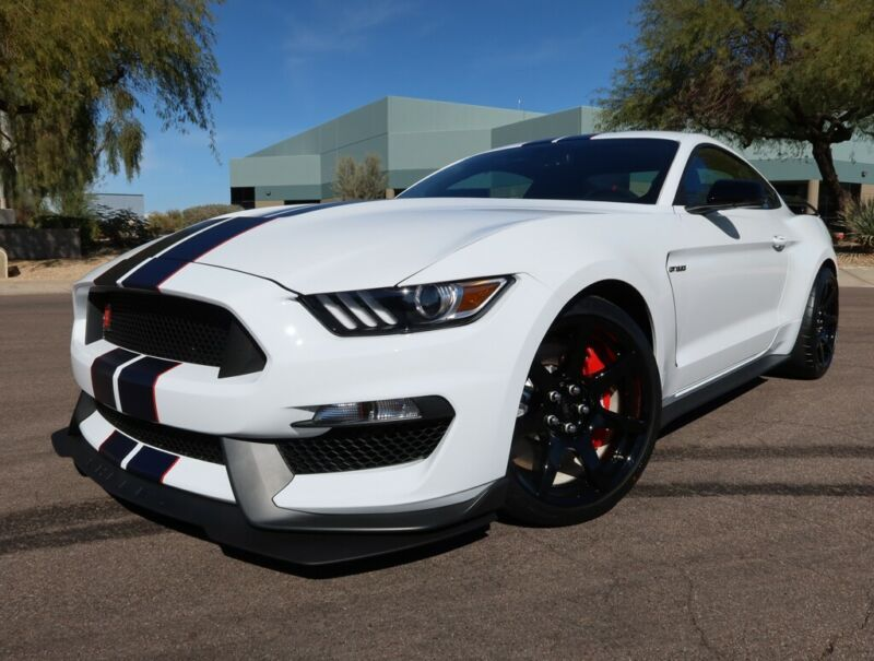 1FA6P8JZ8L5552568-2020-ford-shelby-gt350