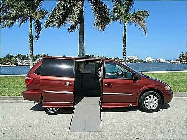 2A4GP54L77R249241-2007-chrysler-town-and-country-lwb