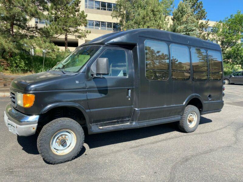 1FDSE35L14HA56658-2004-ford-e-350