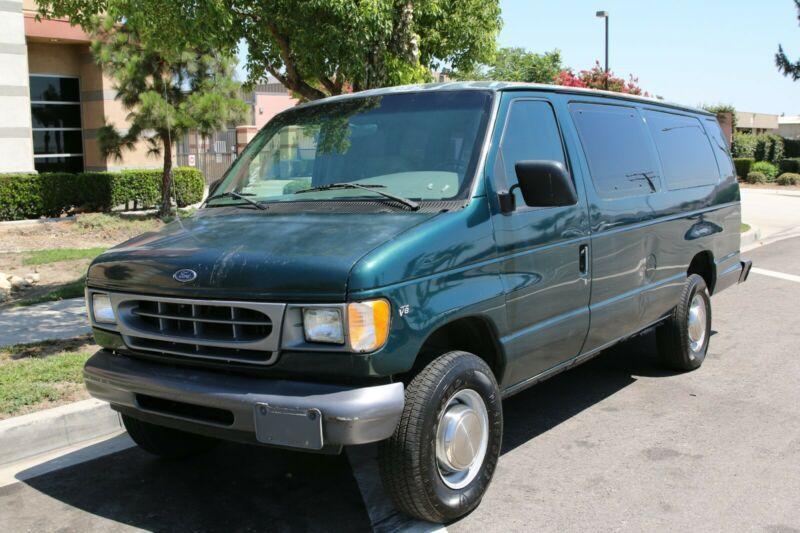 1FBSS31M9XHC15995-1999-ford-e-350